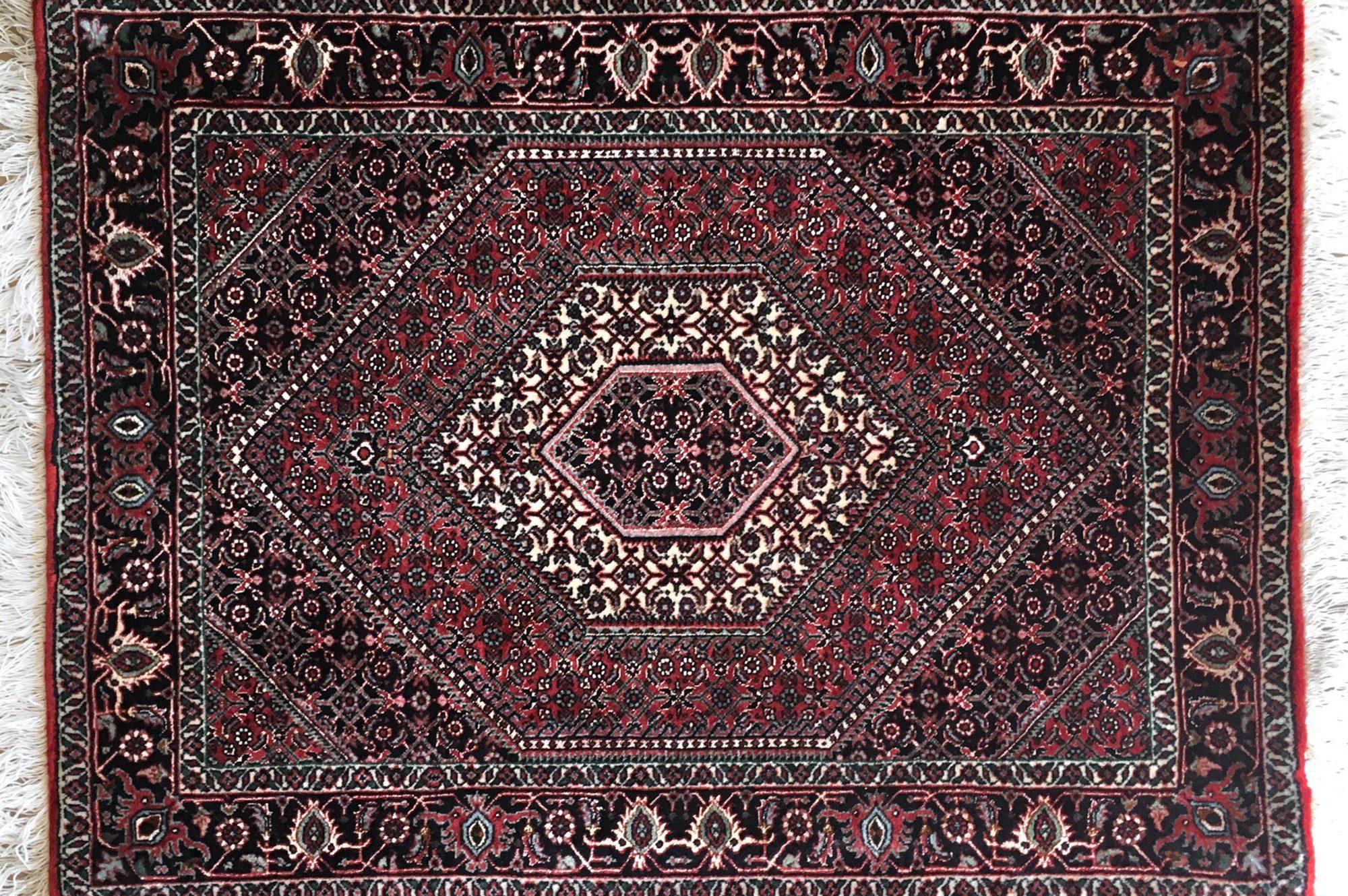 ビジャー産・ペルシャ絨毯