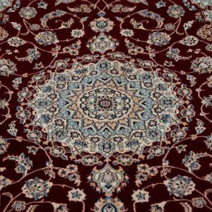 ナイン産ペルシャ絨毯
